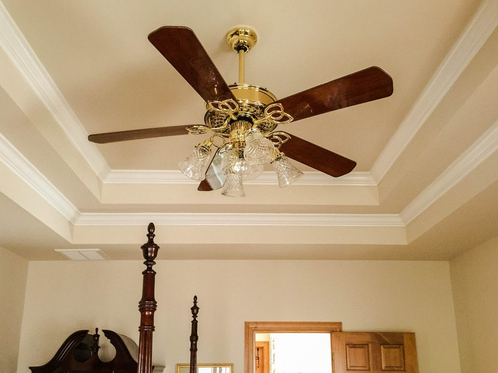 ceiling crown moulding installation by domot reno group